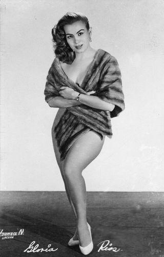 Gloria Rios, 1956