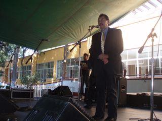 Jaime Almeida como maestro de ceremonia
