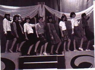 Bailarinas del programa Muévanse todos