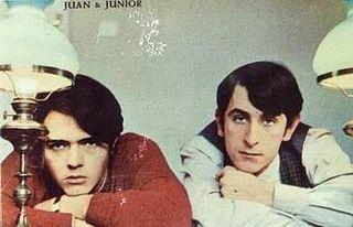 Junior y Juan - postal promocional