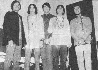 Los Graveyards: Jorge, Abelardo, Martín, Ernesto y Rodolfo