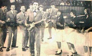 Victor Constantino con Los Playboys