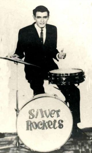 Sergio Luna (+) Baterista de Los Silver Rockets