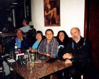 Con Manuel, Gilberto, Adriana y mi suegra en el Crazy Coyote en 2005