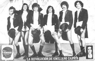 La Revolucion Emiliano Zapata - pose