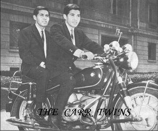 3 carr twins en moto