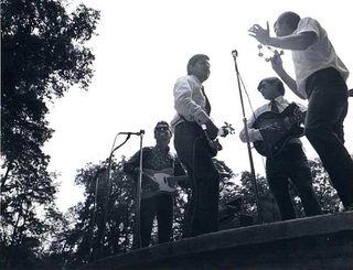 Batiz y Los Finks (Jorge Loan, Fernando Vahauks y Horacio Reni)