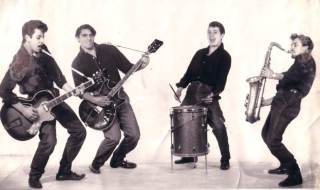Rocking boys2